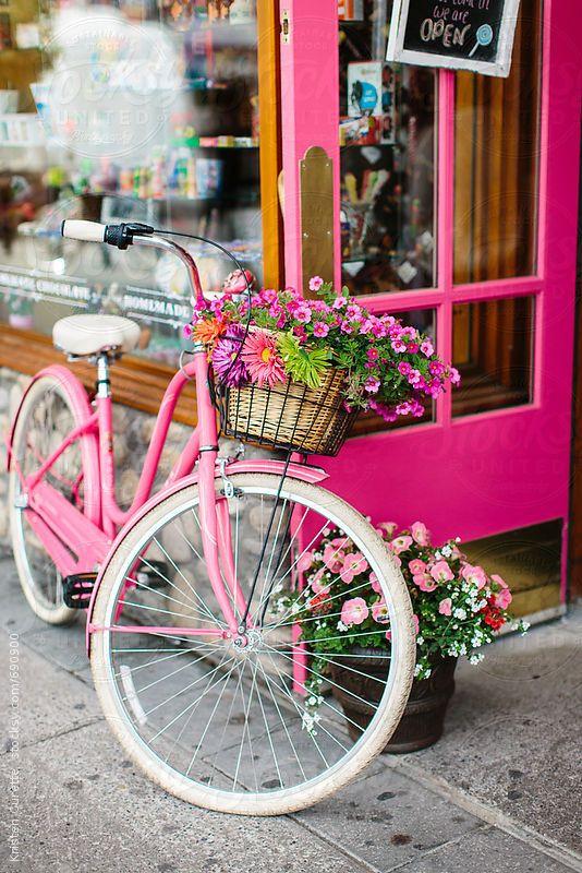 Le Finestre Il Colore E Le Bici A Tutti Buongiorno In